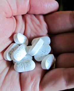 Jak bezpiecznie brać antybiotyk