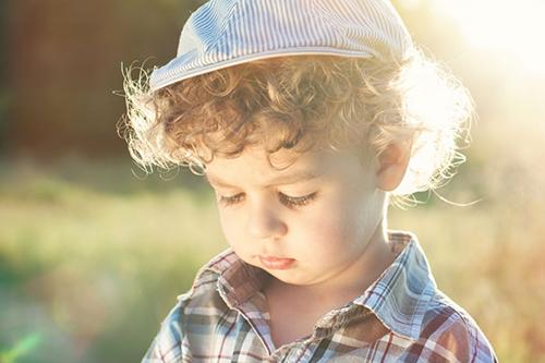 Chłopiec ze stulejką przed konsultacją w Gabinecie Derm-Estetyka